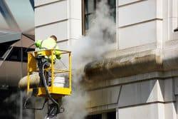 Fassadenreinigung, Fassadenreinigung / Graffitientfernung