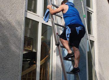 Gebäudereinigung, Reinigung, Fesnter reinigen nach Wunsch